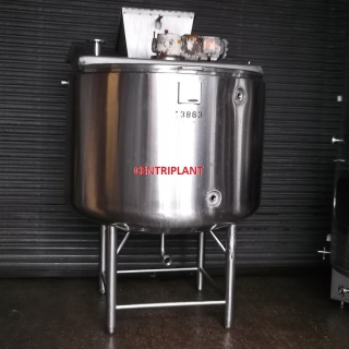 13863 - 1,400 LITRE STAINLESS STEEL LOW PRESSURE JACKETED MIXING TANKS