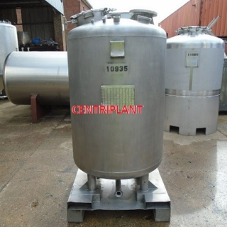 10935 - 1000 LITRE STAINLESS STEEL  TANK