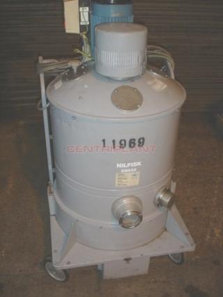 11969 - NILFISK MOBILE  INDUSTRIAL VACUUM CLEANER, TYPE GB 833.