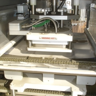 12179 - PRO- SEAL  4 LANE TRAY  LOADER/SEALING MACHINE
