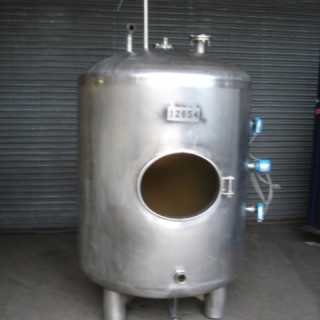 12654 - 1,500 LITRE VERTICAL STAINLESS STEEL TANK, DISHED ENDS
