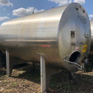 12985 - 13500LTR HORIZONTAL STAINLESS STEEL INSULATED AND  CLAD IN STN/STL  MILK TANKS WITH AGITATOR