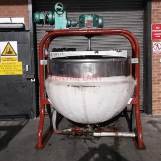13057 - 1,300 LTR STAINLESS STEEL STEAM JACKETED TANK SIDE SCRAPE MIXING TANK