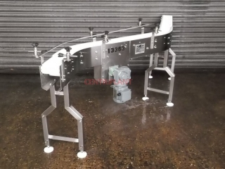 13363 - ARNOTT  PLASTIC MESHED FLEXI CONVEYOR  WITH STN/STL CHASSIS