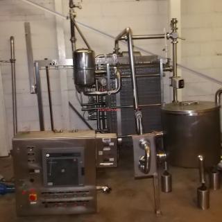 13471 - APV 1,500 LPH PLATE PASTEURISER.