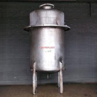 13554 - 4,500 LITRE VERTICAL STAINLESS STEEL TANK, DISHED ENDS.