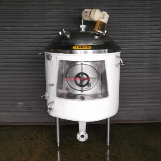 13678 - 860 LITRE CHILLED JACKETED MIXING TANK INSULATED AND CLAD WITH FIBRE GLASS