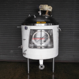 13679 - 860 LITRE CHILLED JACKETED MIXING TANK INSULATED AND CLAD WITH FIBRE GLASS
