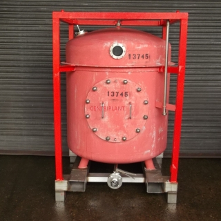 13745 - 810 LITRE ROUND STAINLESS STEEL TRANSIT TANK.