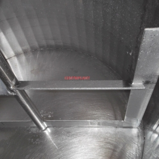 13760 - 730 LITRE STAINLESS STEEL GATE MIXING TANK