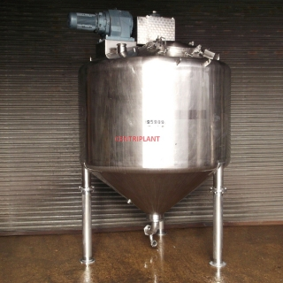 13776 - 3,700 LITRE MIXING TANKS, CONICAL BASE, DISH TOP