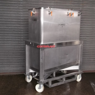 13933 - 1,000 LITRE STAINLESS STEEL MOBILE TANK