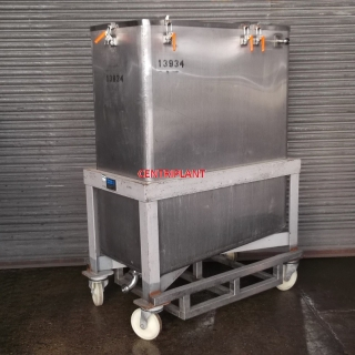 13934 - 1,000 LITRE STAINLESS STEEL MOBILE TANK