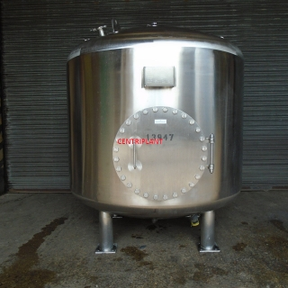 13947 - 2,500 LITRE STAINLESS STEEEL TANK