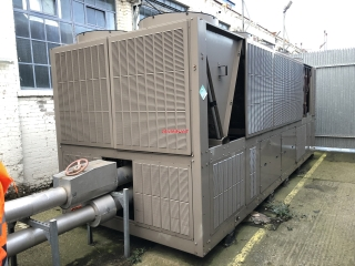 14281 - YORK YVAA 0565 PACKAGED CHILLER 549KW