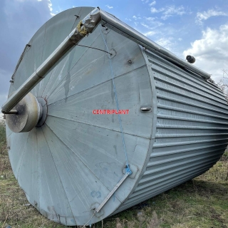 14351 - 68,000 LITRE VERTICAL STAINLESS STEEL TANK INSULATED AND CLAD WITH CORRUGATED CLADDING
