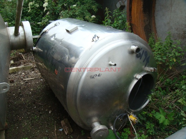 6194 - 1000 LTR ST/ST WATER JACKETED MIXER TANK, BOTTOM ENTRY